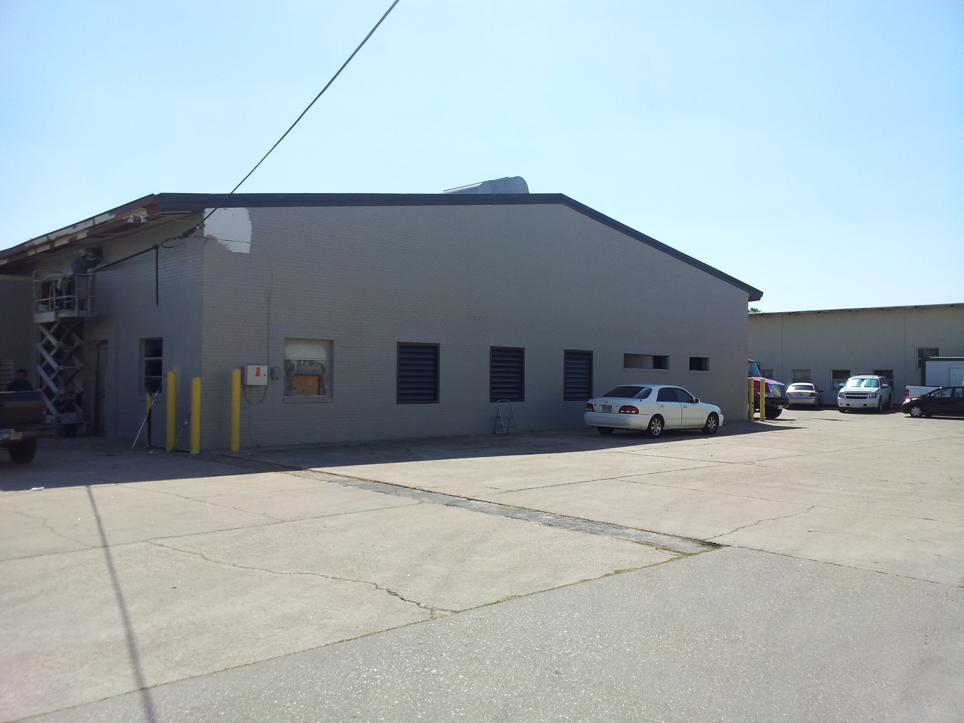 Dock and Grade Level Warehouse for Lease